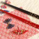 結婚式の引き出物や内祝いに一番おすすめなのは箸です。