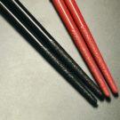 塗り箸には様々な技法が使われており、輪島塗の技術も応用されています。